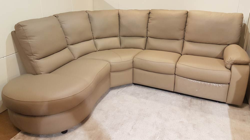 Miraculous Calia Italia Chiara Italian Leather Corner Sofa Hoggs Beatyapartments Chair Design Images Beatyapartmentscom