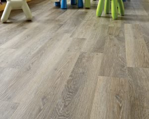 Karndean Knight Tile KP99_Lime-Washed-Oak